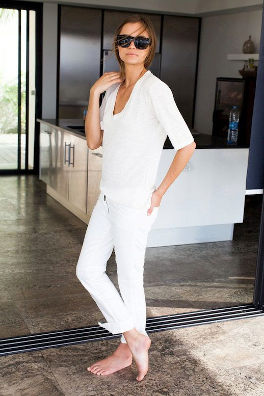 Le Fashion Blog Whites Neutrals Emerson Fry SS 2014 Lookbook Luxe Emerson T In Ivory White Tee T-shirt Mick 2 White Denim With Ankle Zipper Jeans 1 photo Le-Fashion-Blog-Whites-Neutrals-Emerson-Fry-SS-2014-Tee-Jeans-1.jpg