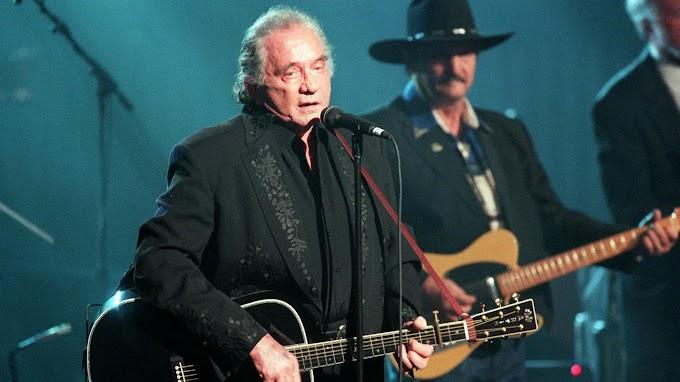 Hurt Lyrics - Johnny Cash | LyricsAdvisor