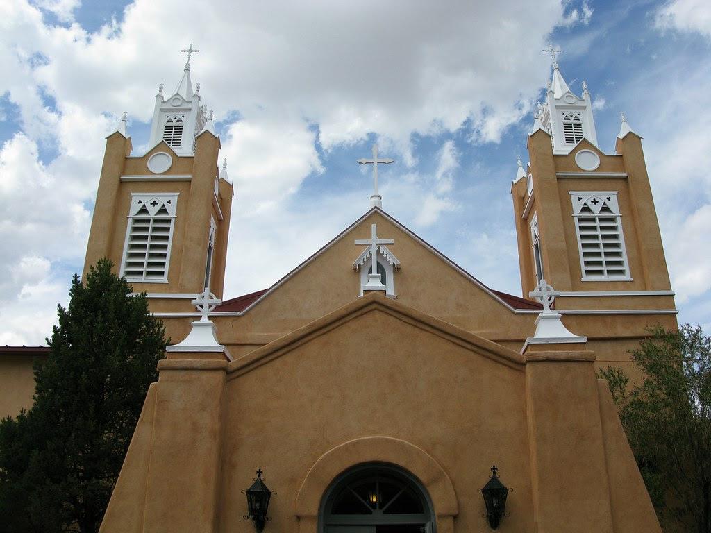 San Felipe de Neri Church (Symmetry Style)