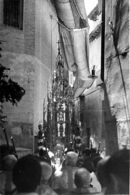 El Corpus en el Callejón de Jesús y María  © Fondo Rodríguez. Archivo Histórico Provincial. JCCM. Signatura CMB1-036-31