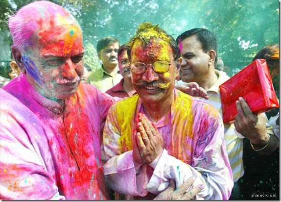 http://aimeemarie.files.wordpress.com/2009/06/holi-festival-of-colours-001.jpg