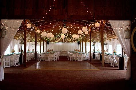 Florida Barn Wedding At Cross Creek Ranch   Rustic Wedding