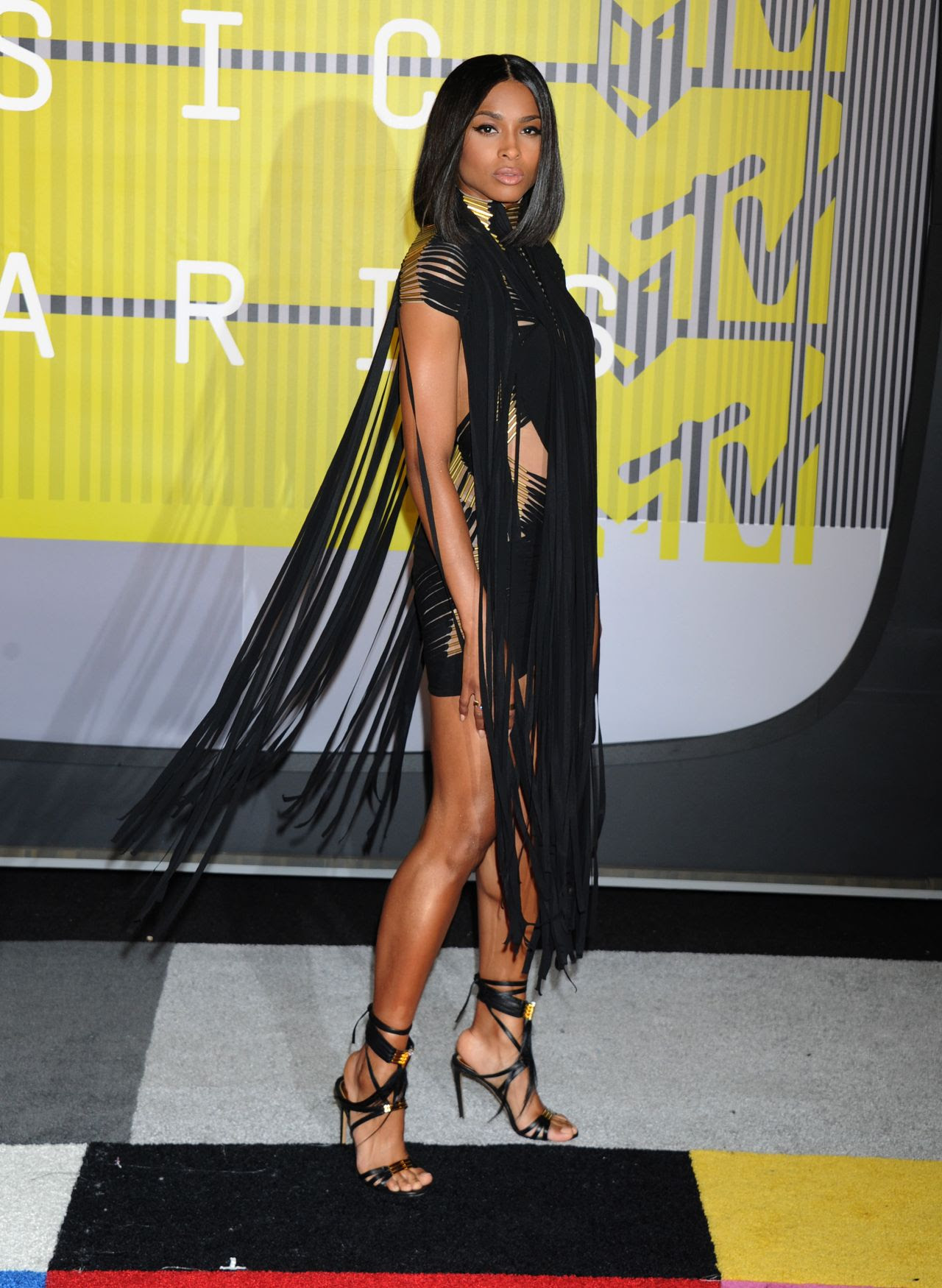 http://celebmafia.com/wp-content/uploads/2015/08/ciara-2015-mtv-video-music-awards-at-microsoft-theater-in-los-angeles_3.jpg