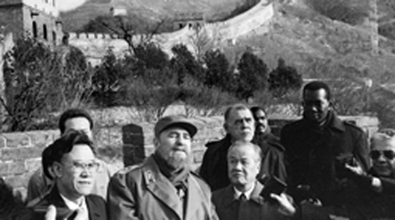 Castro nació en Birán, población de la antigua provincia de Oriente, actual Holguín, el 13 de agosto de 1926. Entre sus visitas como jefe de Estado llegó a China en 1995.