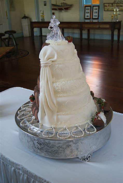 Half And Half Wedding Cake   CakeCentral.com