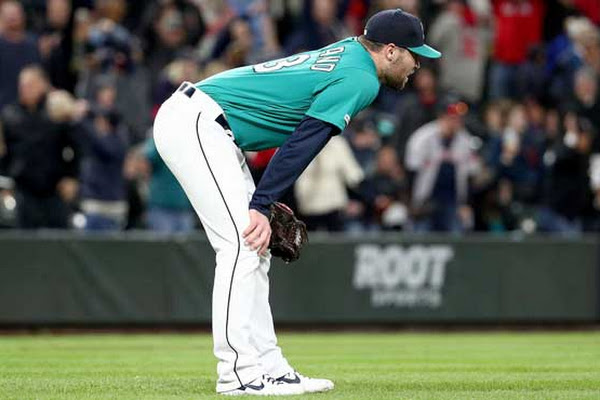 a7b0a5d1ccc Moreland s 3-run homer in 9th gives Red Sox 7-6 win over Mariners