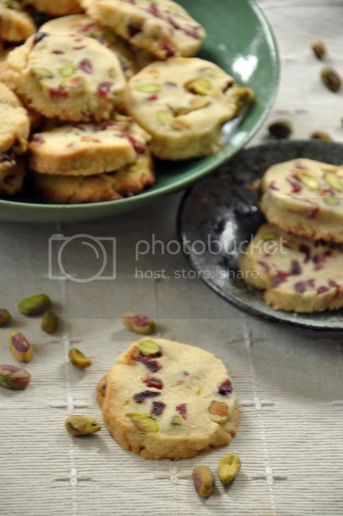 photo cranberrypistachiocookies_zps59019c8f.jpg
