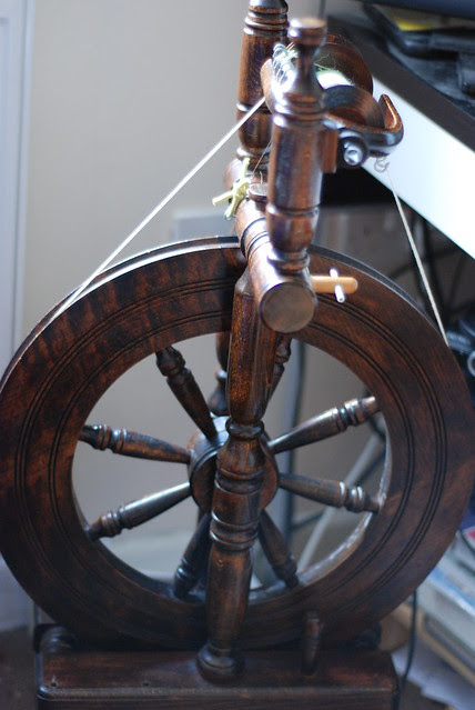 Haldane Orkney spinning wheel in my very tiny flat