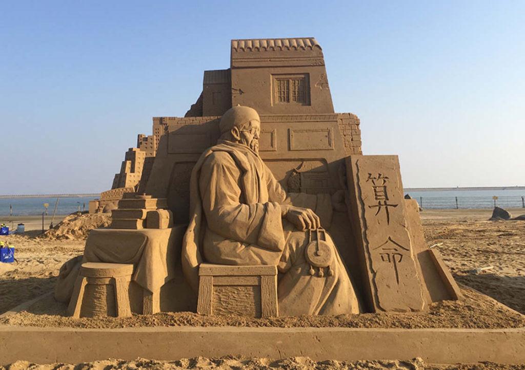 As extraordinárias esculturas de areia de Toshihiko Hosaka 16