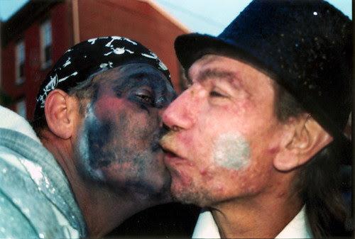 185 mummers kissing new years top hat
