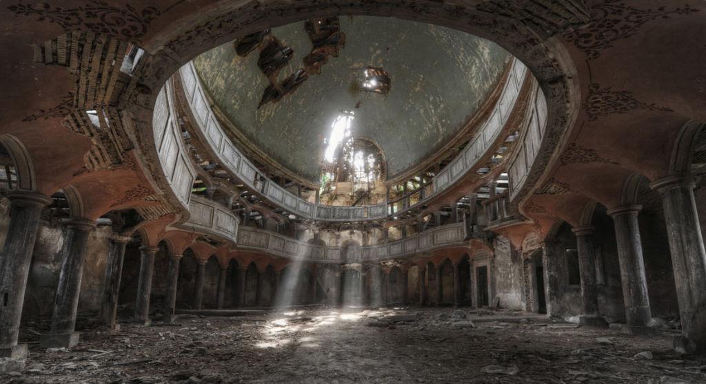 A arte do Urbex - As impressionantes fotografias de Niki Feijen 10