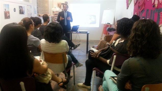 Hernando Alecina, fundador de Ziebeq, durante la conferencia organizada por FEM International.