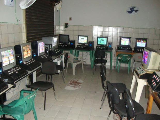 PM apreende 18 máquinas caça-níqueis em Caraguatatuba (Foto: Divulgação/ Polícia Militar)