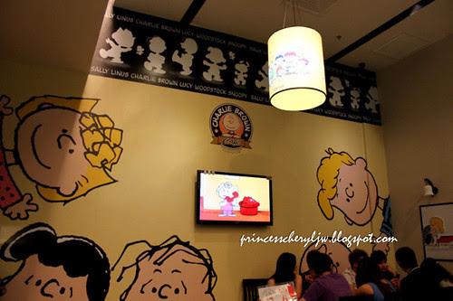 Charlie Brown Cafe 13