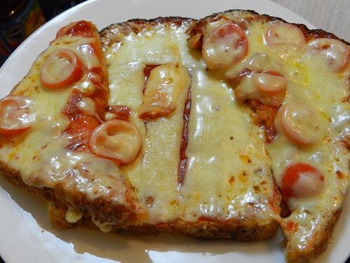 Nuked bread 'pizza'