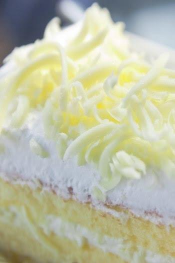 http://images.detik.com/content/2011/12/28/766/kuekeju-oke-mp.jpg