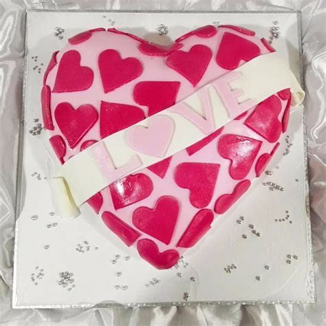 Buy Symbol of Love Cake CFG15 Online in Bangalore   Order