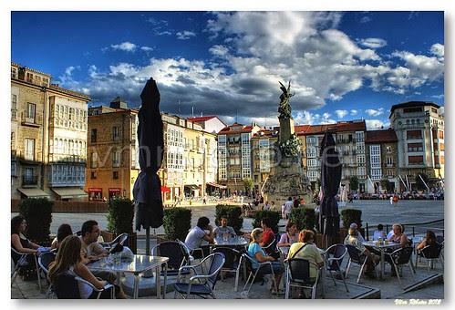 Esplanada na Plaza de la Virgen Blanca by VRfoto