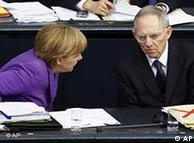 Η καγκελάριος Μέρκελ και επί των Οικονομικών υπουργός της Β. Σόιμπλε