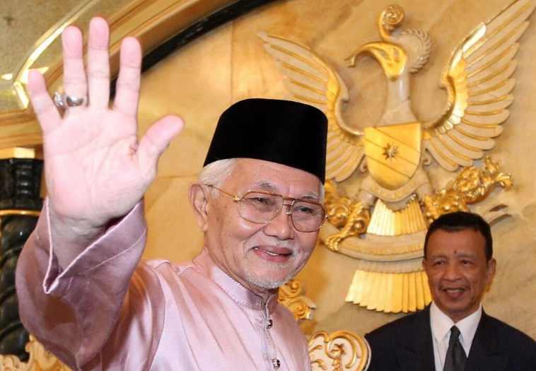 Sacked, but Taib plans to make fools of his party and continue to call the shots.