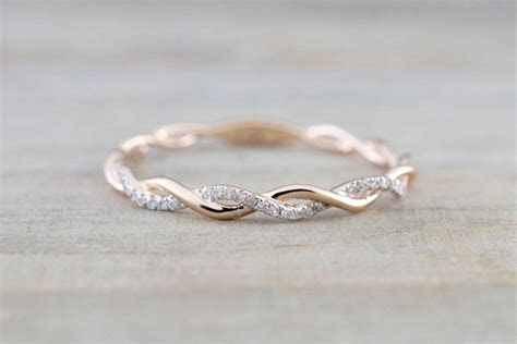 14k Rose Gold Round Cut Diamond Rope Twined Vine