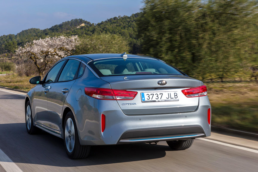 Kia To Unveil Optima Plug-In Hybrid at 2016 Geneva Motor Show