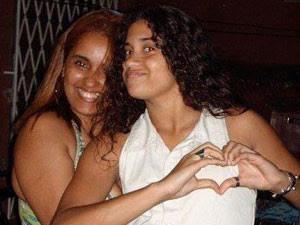 Adriana se apega a fotografias para matar as saudades da filha Luiza (Foto: Reprodução / Arquivo Pessoal)