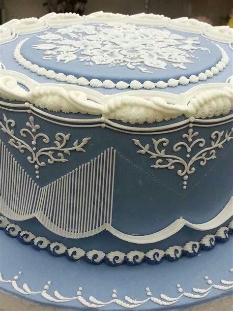 1705 best Cake Decorating Royal Icing; Lambeth Method