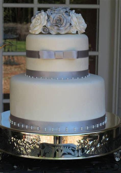 silver wedding cakes   A Wedding Cake Blog