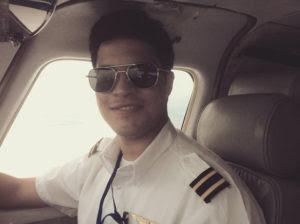Piloto da Gol se mata com tiro na cabeça na casa da mãe em Caxias