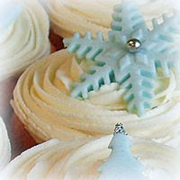 photo vanilla-christmas-cupcakes-2012-2_zpsdc4438ad.jpg