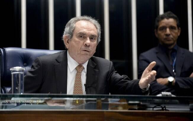 Senador Raimundo Lira (PMDB-PB) já presidiu três vezes a Comissão de Assuntos Econômicos (CAE). Foto: Jefferson Rudy/Agência Senado - 17.3.16