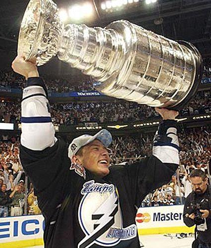 Fedotenko Tampa Bay photo Fedotenko Tampa Bay 2004 Stanley Cup.jpg