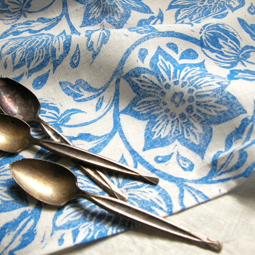 everyday sky blue on white passionflower linen napkins set of 4 - giardino