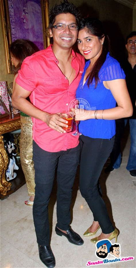 Mika Singh Birthday Party    Shaan with wife Radhika