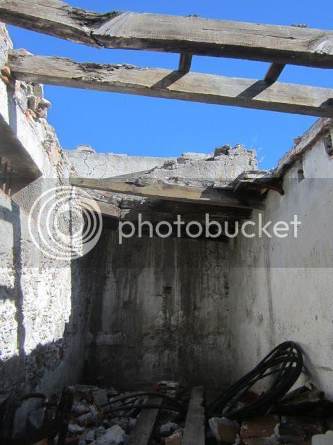 Ruined building.El Charco del Ingenio photo ruinselcharco_zpsa6804118.jpg