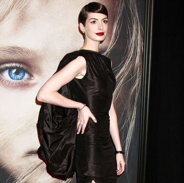 Anne Hathaway Stars As Fantine In: Ebootsoutlet.com: A Modern-day Homage To Fantine? Anne
