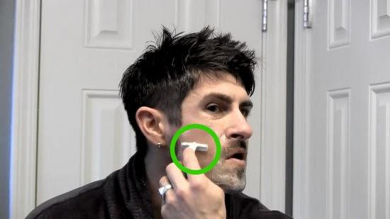 inupcoti: Bart dünner strich