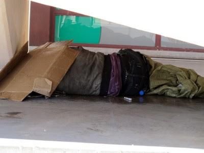 As ONG dizem não ser possível determinar com exactidão o número de sem-abrigo e os media falam em 3.000 em Lisboa e cerca de 2.000 no Porto.