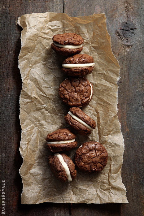keroiam:  Recipe:  Brownie Cookies with Salted Caramel Creme Filling