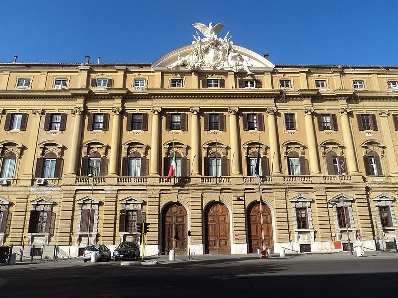 File:Palazzo Finanze.jpg