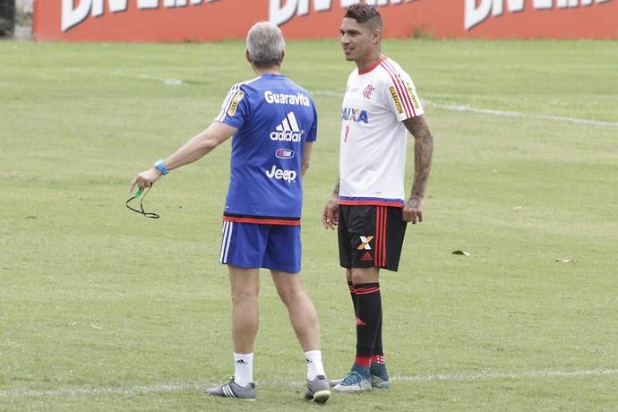Oswaldo e Guerrero treino Flamengo (Foto: Gilvan de Souza / Flamengo)