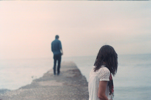 A saudade precisa da distancia pra crescer. (nossahist0ria)
