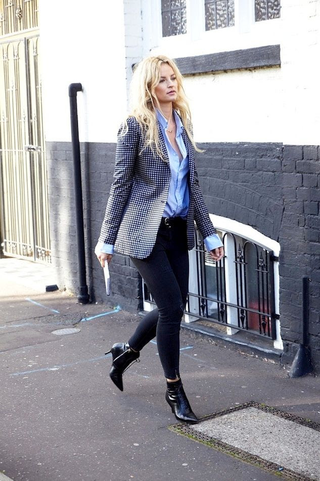 Le Fashion Blog Power Dressing Statement Print Blazer Blue Shirt Black Jeans Pointy Kitten Heel Boots Dutch Blogger Anouk Yve Creatures Of Desire photo Le-Fashion-Blog-Power-Dressing-Statement-Print-Blazer-Blue-Shirt-Black-Jeans-Pointy-Kitten-Heel-Boots-Swedish-Blogger-Anouk-Yve.jpg