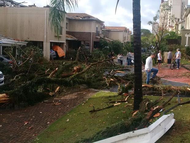 Casas foram destelhadas em condomínio no Taquaral (Foto: Divulgação/Arquivo Pessoal)