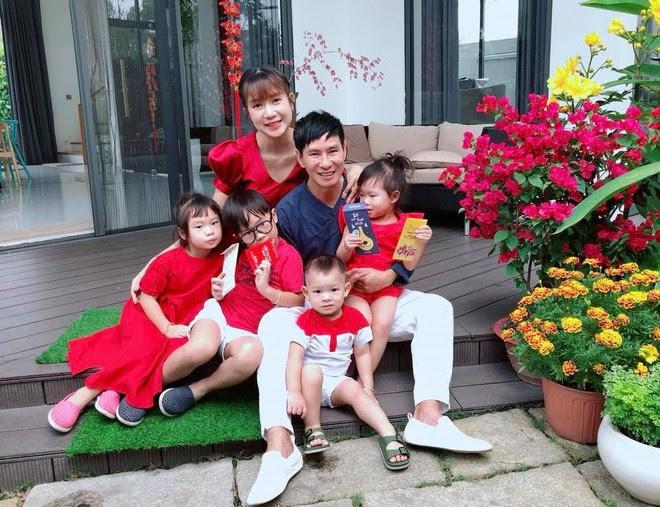 Chẳng riêng gì sao Việt, các nhóc tỳ nhà sao cũng xúng xính áo dài đón Xuân mới - Ảnh 13.