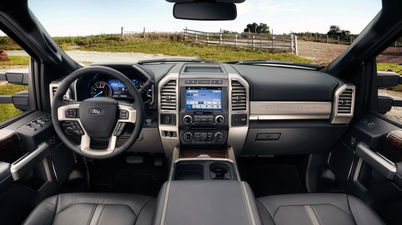 ... : The interior of the Ford F250 Lariat (left) and the Ford F450