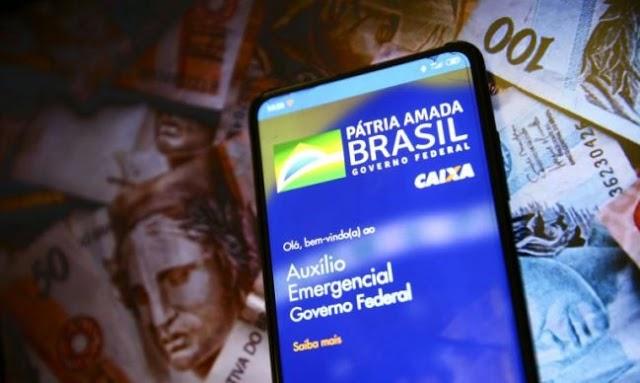 Governo paga auxilio emergencial á beneficiários do Bolsa família hoje, 27 e auxilio será prorrogado até 2022