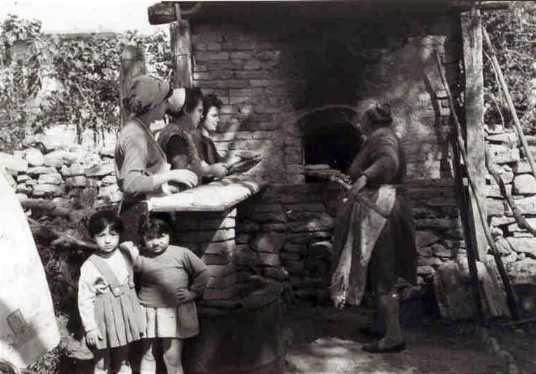 Risultati immagini per infornata del pane