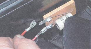 статья про снятие и установка электродвигателя вентилятора отопителя салона ВАЗ 2106